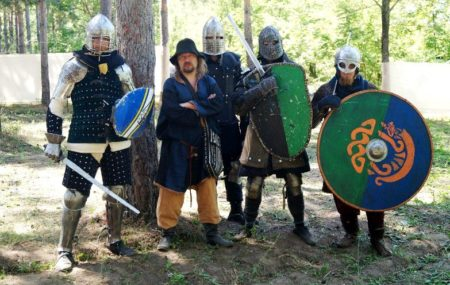 If your company already has experience in team building and team building games, but you are looking for something new, we will be happy to tell you about an incredibly cool, but not yet very popular format - historical role-playing games.